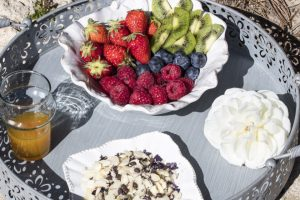 1m4a8650buddha-bowls-fruits_1